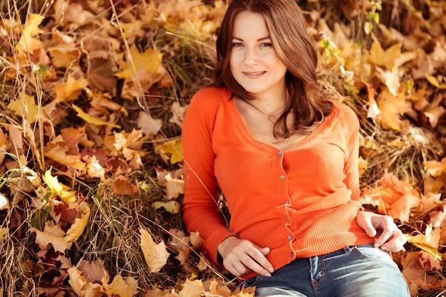 Adulto de madera clara caída de la señora | Descargar Fotos gratis