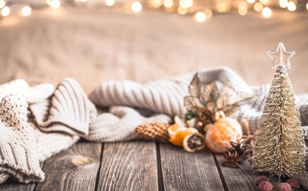 Ambiente festivo navideño acogedor con decoración para el hogar Foto gratis
