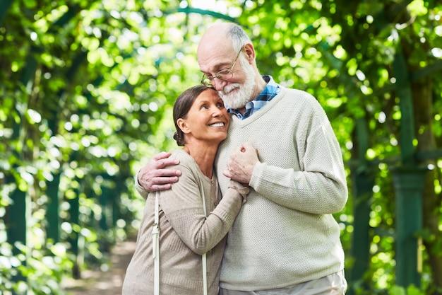 Amor de las personas mayores Foto gratis