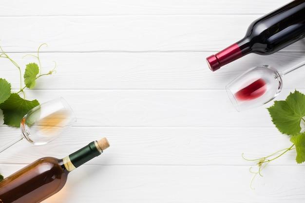 Antítesis entre el vino tinto y el blanco. Foto gratis