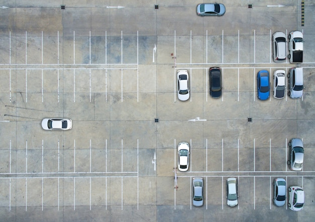 Aparcamientos vacíos, vista aérea. Foto Premium