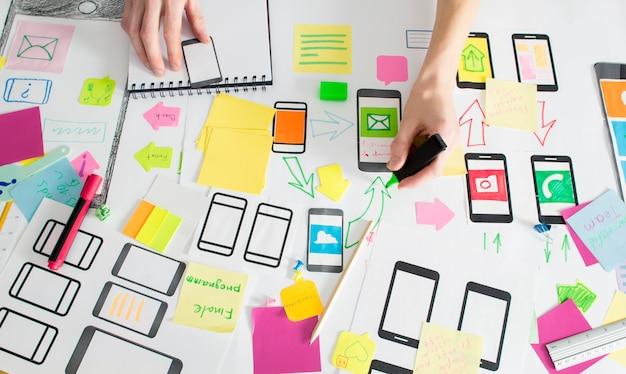 Aplicación de diseño para teléfono móvil. Foto Premium
