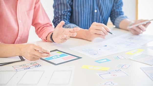 Aplicación de planificación de creative web designer y diseño de plantilla de desarrollo Foto Premium