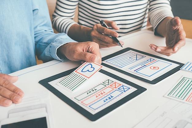 Aplicación de planificación de creative web designer y diseño de plantillas de desarrollo Foto Premium