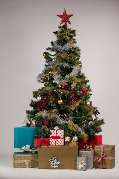 Rbol de navidad con regalos descargar fotos gratis - Arbol de navidad con regalos ...