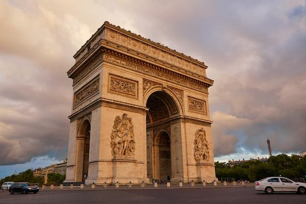 Arco del triunfo en parís arco del triunfo Foto Premium