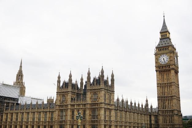Arquitecto historia victoriana famosa torre Foto gratis