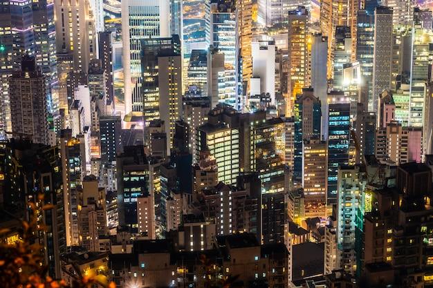 Arquitectura hermosa que construye el paisaje urbano exterior del horizonte de la ciudad de hong-kong Foto gratis