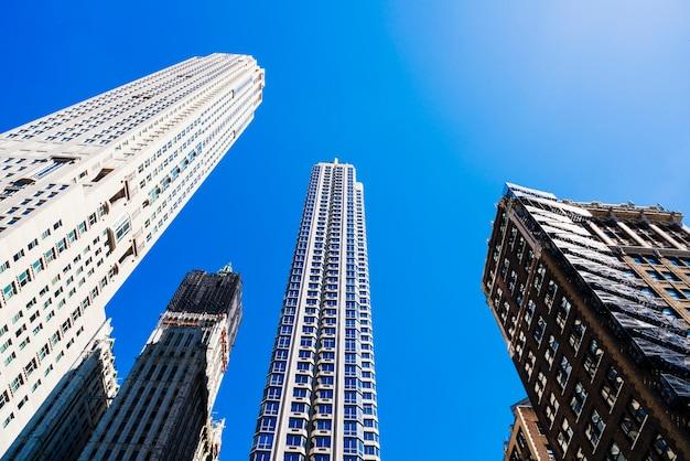 Arquitectura moderna de la ciudad Foto gratis