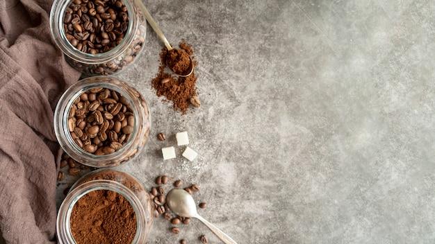 Arreglo de café con espacio de copia Foto gratis