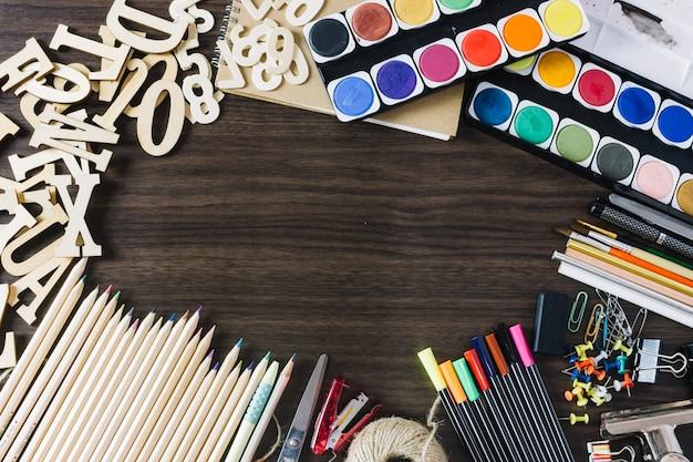 Perno oficina fotos y vectores gratis for Material de oficina