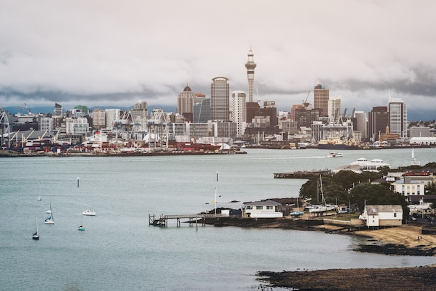 Auckland city skyline, nueva zelanda Foto Premium