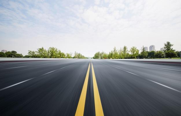 Autopistas y bosques Foto Premium