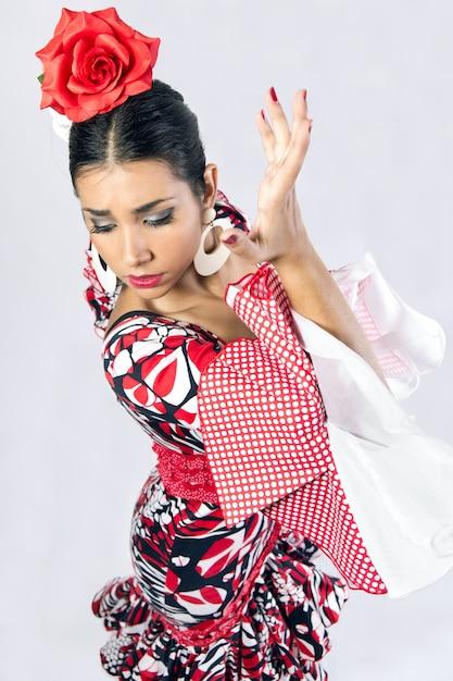 Bailarina de flamenco en un hermoso vestido   Descargar Fotos gratis