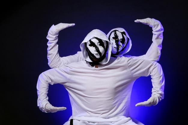Bailarina de hip hop en la danza Foto gratis