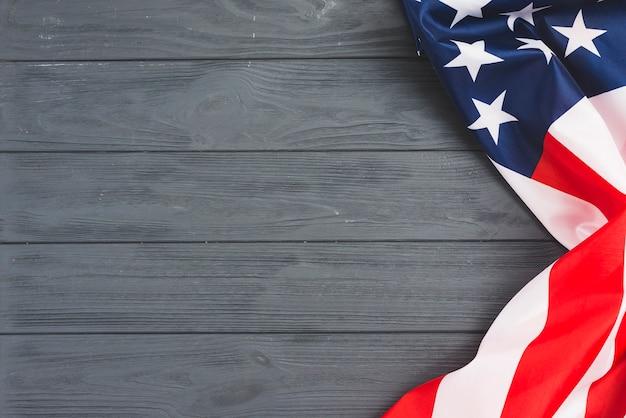 Bandera de los eeuu en fondo gris Foto gratis