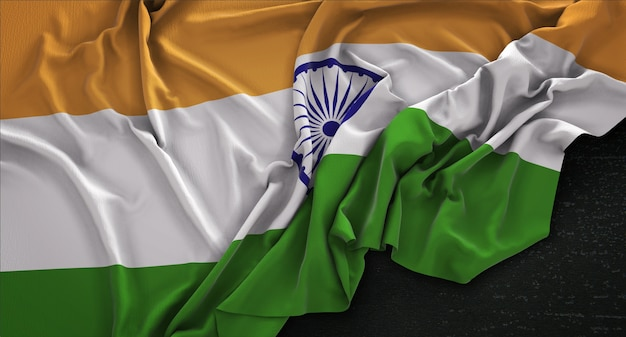 Bandera de la india arrugado sobre fondo oscuro 3d render Foto gratis