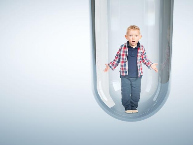 Bebé caucásico en tubo de ensayo 3d Foto Premium