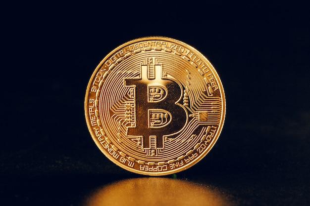 Bitcoins en negro Foto Premium