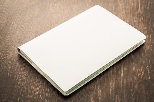 En blanco blanco mock up libro Foto gratis