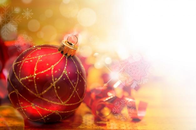 Bola de navidad roja con decoraci n navide a descargar - Bola de navidad con foto ...
