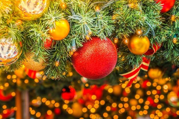 Bolas de navidad con un fondo con efecto bokeh descargar - Bola de navidad con foto ...