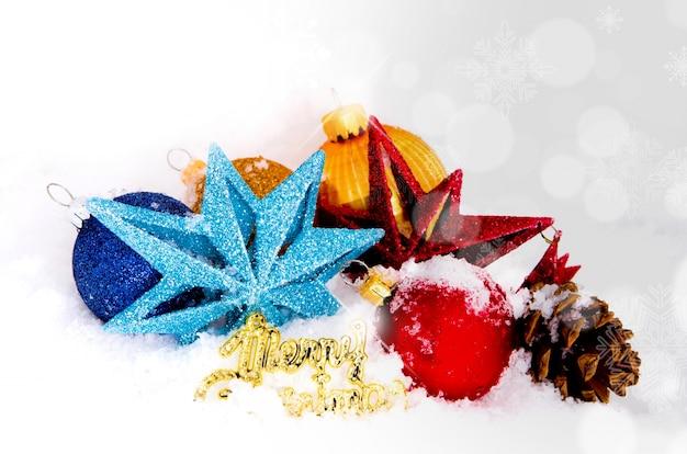 Bolas de navidad y estrellas con nieve y un mensaje de - Bola de navidad con foto ...