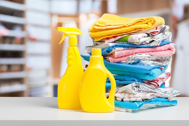 Botella de detergente para la ropa Foto Premium