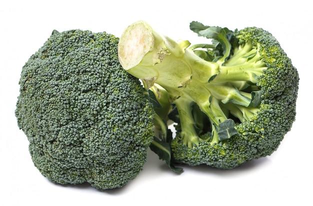 Brócoli en la mesa Foto gratis