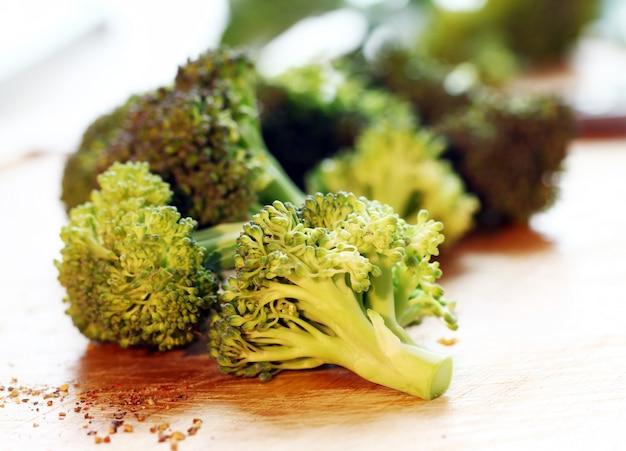 Brócoli verde fresco Foto gratis