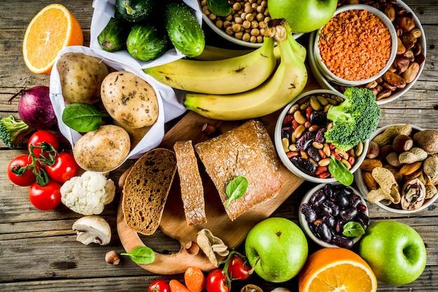 Buena comida rica en fibra de carbohidratos Foto Premium