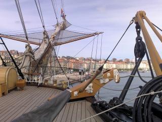 buque escuela visitando Santander España Foto Gratis