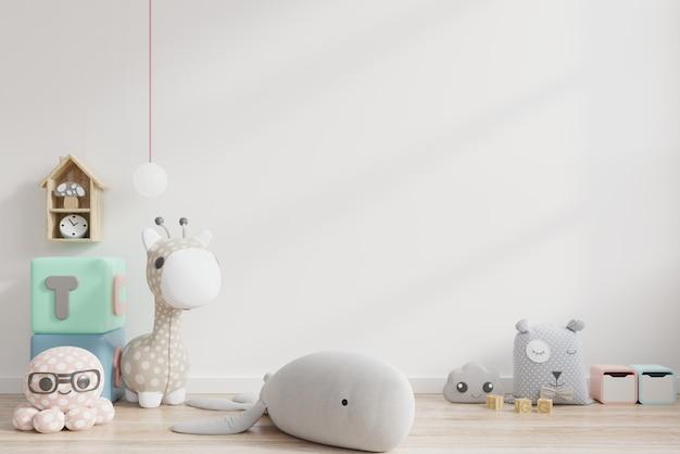 Burlarse de la pared en la habitación de los niños en el fondo de la pared blanca. Foto Premium
