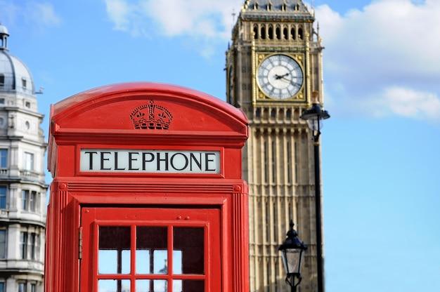 Cabina de teléfonos roja y el big ben en londres Foto gratis