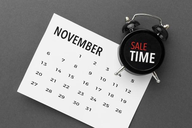 Calendario y reloj de venta cyber monday Foto gratis