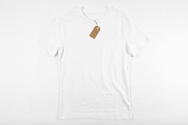 Camiseta blanca con etiqueta Foto Premium