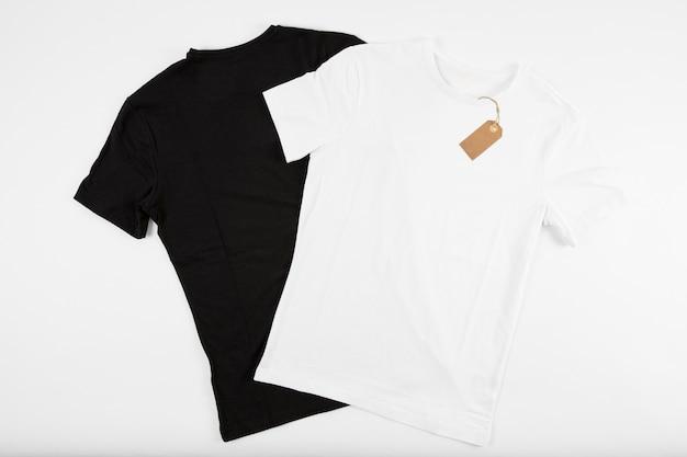 Camisetas blancas y negras Foto Premium