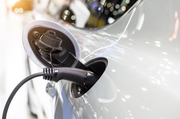 Cargador de coche eléctrico Foto Premium
