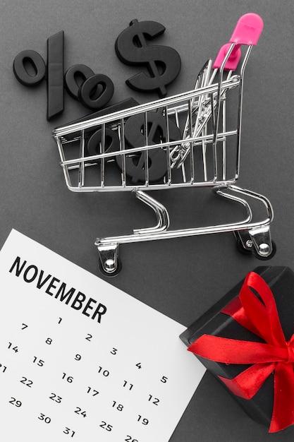 Carrito de compras con rebajas cyber monday Foto gratis