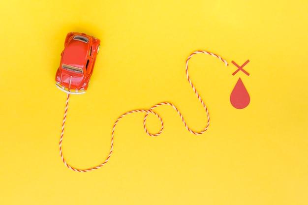 Carro plano con marca de destino Foto gratis