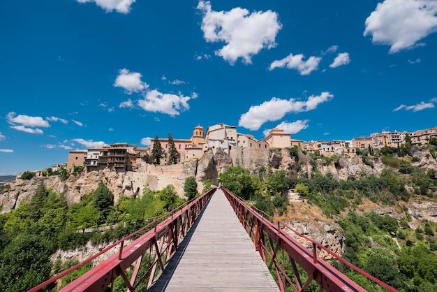Casas colgantes en cuenca, españa. | Foto Premium