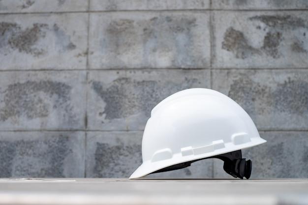 Casco de seguridad duro para proyecto de seguridad, ppe para trabajo seguro Foto Premium