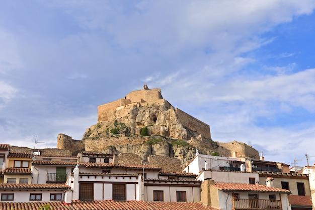 Castillo y casa morella. Foto Premium