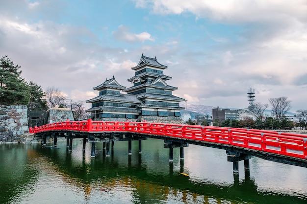 Castillo matsumoto en osaka, japón Foto gratis