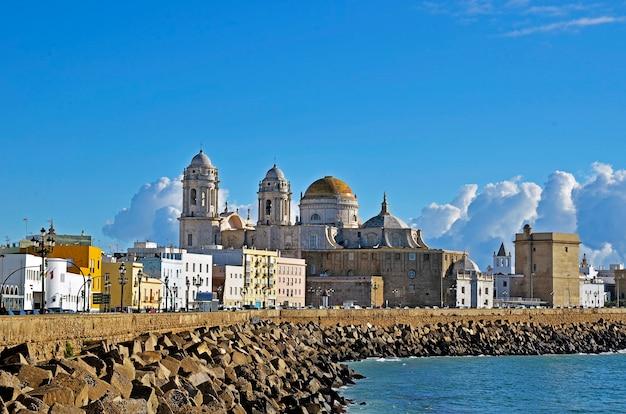 Catedral de cádiz, españa Foto Premium