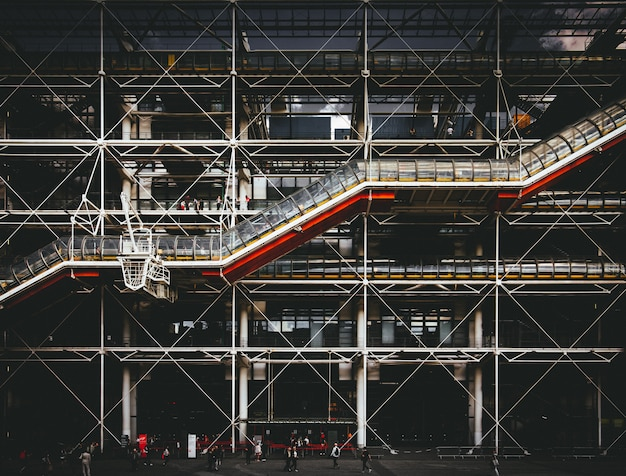 Centro georges pompidou en parís, francia Foto gratis