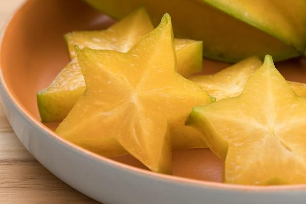De cerca la fruta de la estrella. Foto Premium