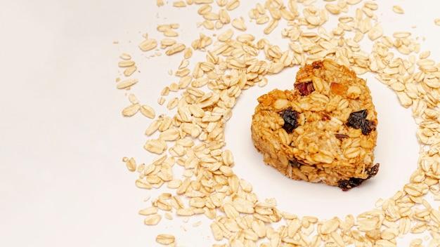 Cereales con pasas y semillas de sésamo Foto gratis