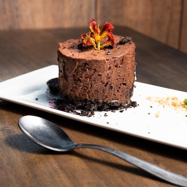Cerrar el desierto de mousse de chocolate Foto gratis