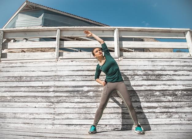 Chica deportiva de fitness Foto Premium